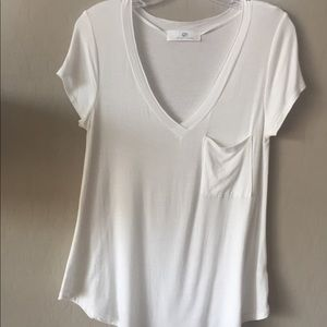 Pre-Loved White Tee with Slouch Pocket!